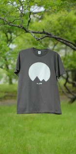 「Mt.JPNオリジナルロゴTシャツ」チャコール